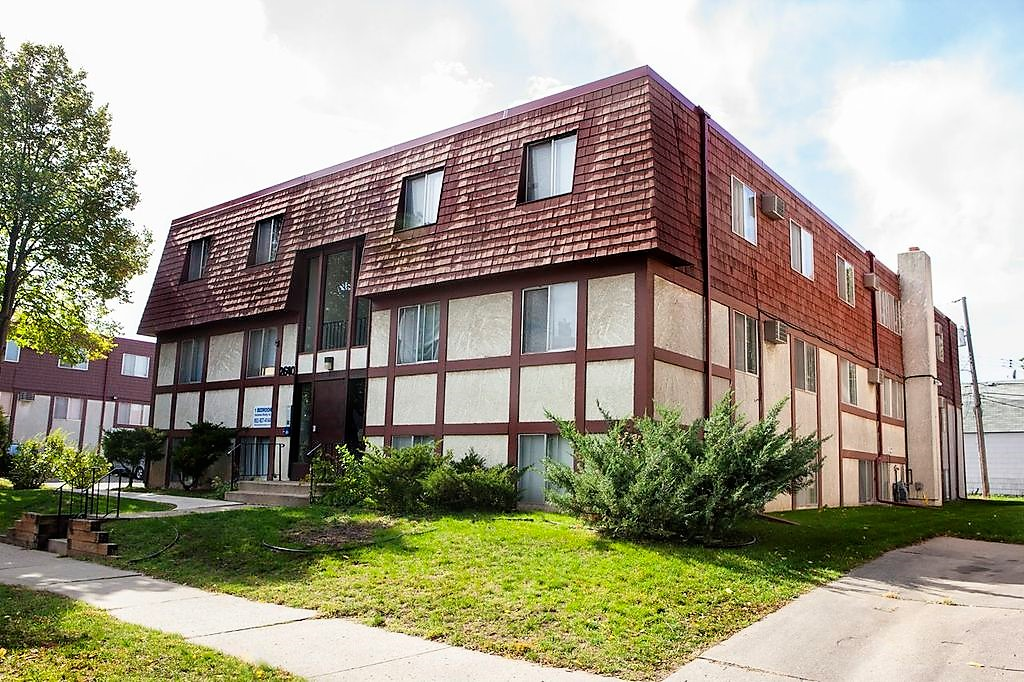Lowry Hill Apartments For Rent