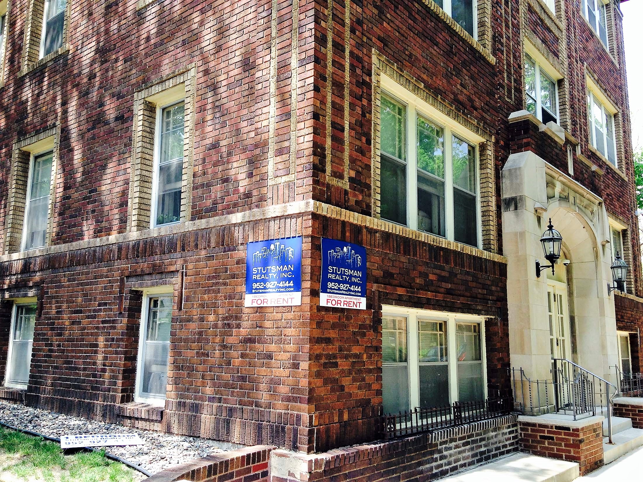Uptown MN Apartment For Rent in CARAG 3150 Girard Ave South